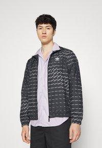 adidas Originals - MONO  - Veste de survêtement - black/white - 0
