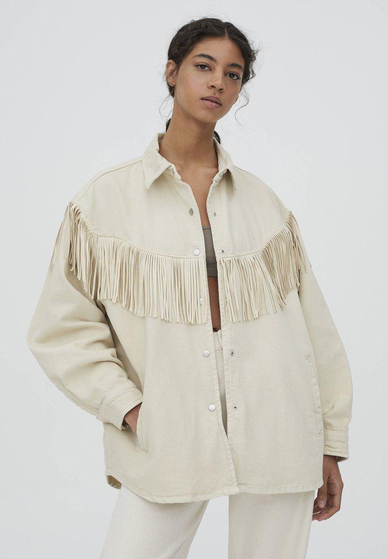PULL&BEAR - MIT FRANSEN - Denim jacket - mottled beige
