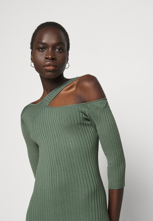 ABITO DRESS - Pletené šaty - moss green
