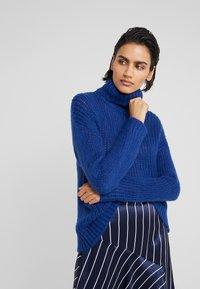 Bruuns Bazaar - SIRIH AUGUSTA - Strickpullover - indigo blue - 0