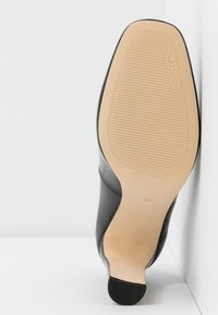 Guess - BLENDA - Escarpins à talons hauts - black - 6