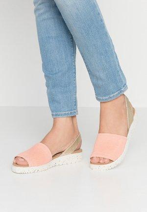Sandals - melon