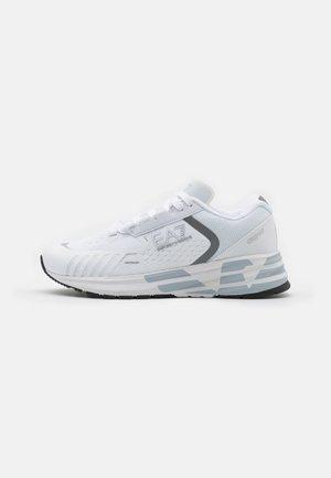 UNISEX - Sneakersy niskie - white