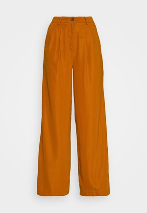WIDE LEG PLEATED PANTS - Trousers - light rust