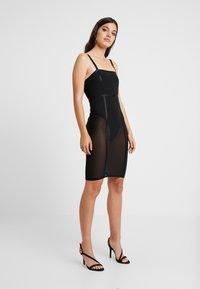 Good American - SHEER CONTOUR DRESS - Cocktail dress / Party dress - black - 3