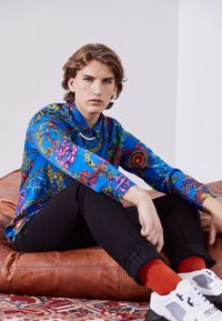 Versace Jeans Couture - PRINT REGALIA BAROQUE - Shirt - midnight - 2