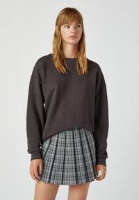 PULL&BEAR - A-snit nederdel/ A-formede nederdele - mottled grey - 4