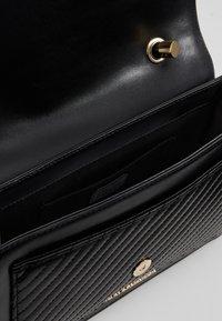 KARL LAGERFELD - KLASSIK QUILTED SHOULDER BAG - Handbag - black - 4