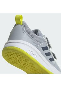 adidas Performance - TENSAUR UNISEX - Sportschoenen - silver/yellow - 9