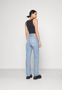 Weekday - VOYAGE - Jeans Straight Leg - verona blue - 2