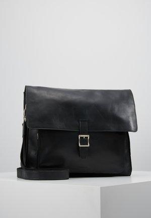 RIOT MESSENGER - Across body bag - black