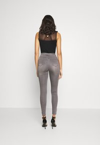 Missguided - VICE EXPOSED ZIP BUTTON DETAIL - Jeans Skinny Fit - grey - 2