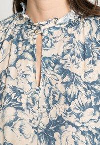Rich & Royal - MIDI DRESS PRINTED - Day dress - parisian blue - 4