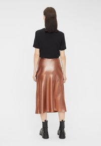 Pieces - Pleated skirt - root beer - 2