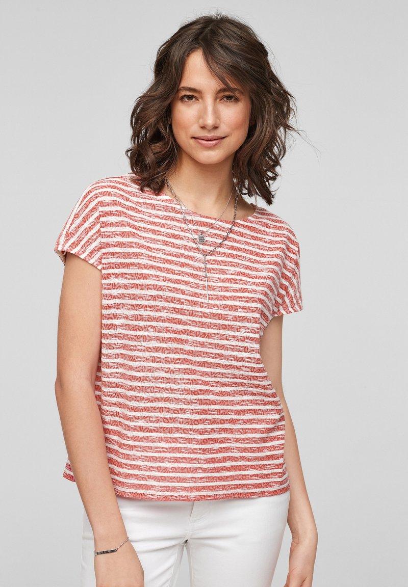 s.Oliver - T-shirt print - red stripes
