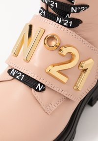 N°21 - Lace-up ankle boots - pink - 2