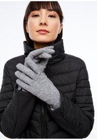 s.Oliver - Gloves - grey - 0