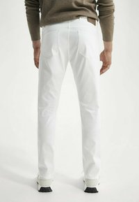 Massimo Dutti - Slim fit jeans - white - 2