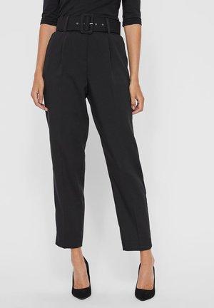 VMJULIE CARROT PANT - Trousers - black