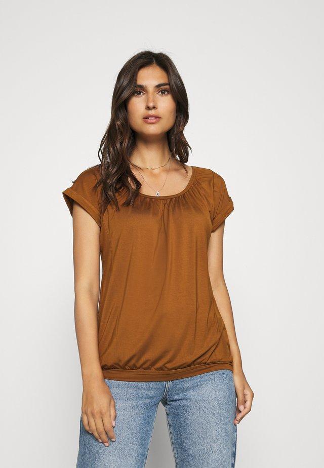 SC-MARICA 4 - T-shirt basique - dark caramel