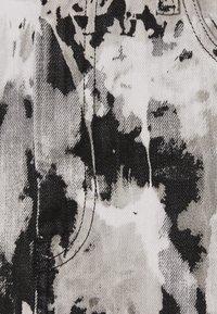 Diesel - DE-ELLYOT-SP SKIRT - Denimová sukně - black/white - 2