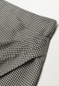 Mango - ADELE - Wrap skirt - schwarz - 5