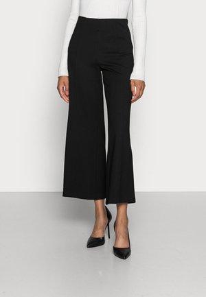 ILISSA - Pantaloni sportivi - black