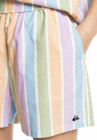 Quiksilver - Shorts - sherbet stripe peach - 1