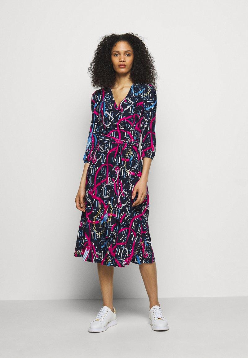 Lauren Ralph Lauren - PRINTED MATTE DRESS - Jersey dress - navy/aruba pin