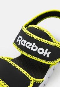 Reebok - WAVE GLIDER III UNISEX - Sandali da bagno - black/yellow flare/white - 5