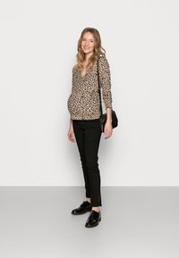 Pieces Maternity - PCMPOLLY WRAP - Jumper - warm taupe - 1