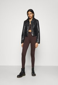 Gina Tricot - CONNIE - Leggings - Trousers - black coffee - 1