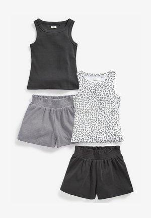 SET - Shorts - multi coloured