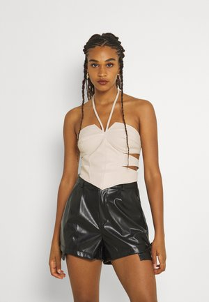 DOUBLE CUT OUT CROP - Topper - cream