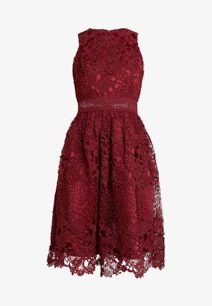 VERSILLA DRESS - Vestido de cóctel - burgundy