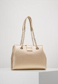 Valentino Bags - DIVINA - Handbag - oro - 2