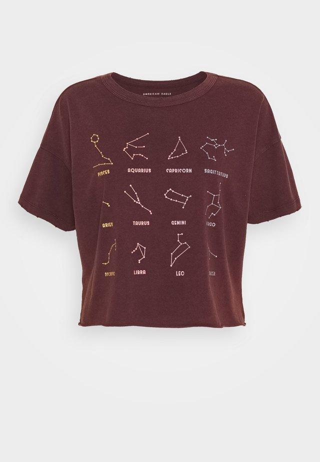 CELESTIAL MARIST TEE - T-shirt con stampa - burgundy