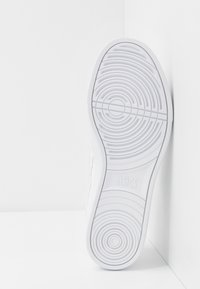 ASICS SportStyle - CLASSIC CT - Sneakers - white - 4