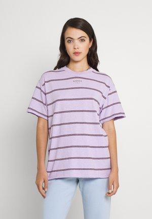 REVOLVE - T-shirts basic - lilac