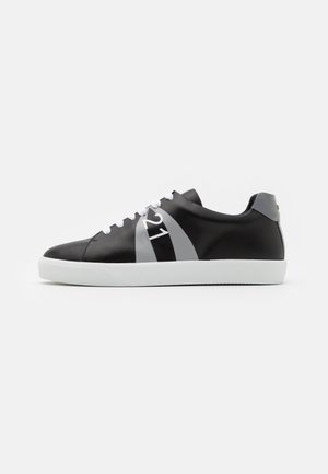 GYMNIC - Trainers - black/grey