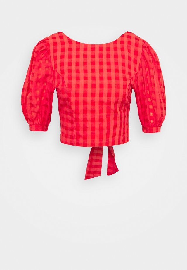 PUFF SLEEVE CROP WITH FRONT TIE - T-shirt imprimé - red