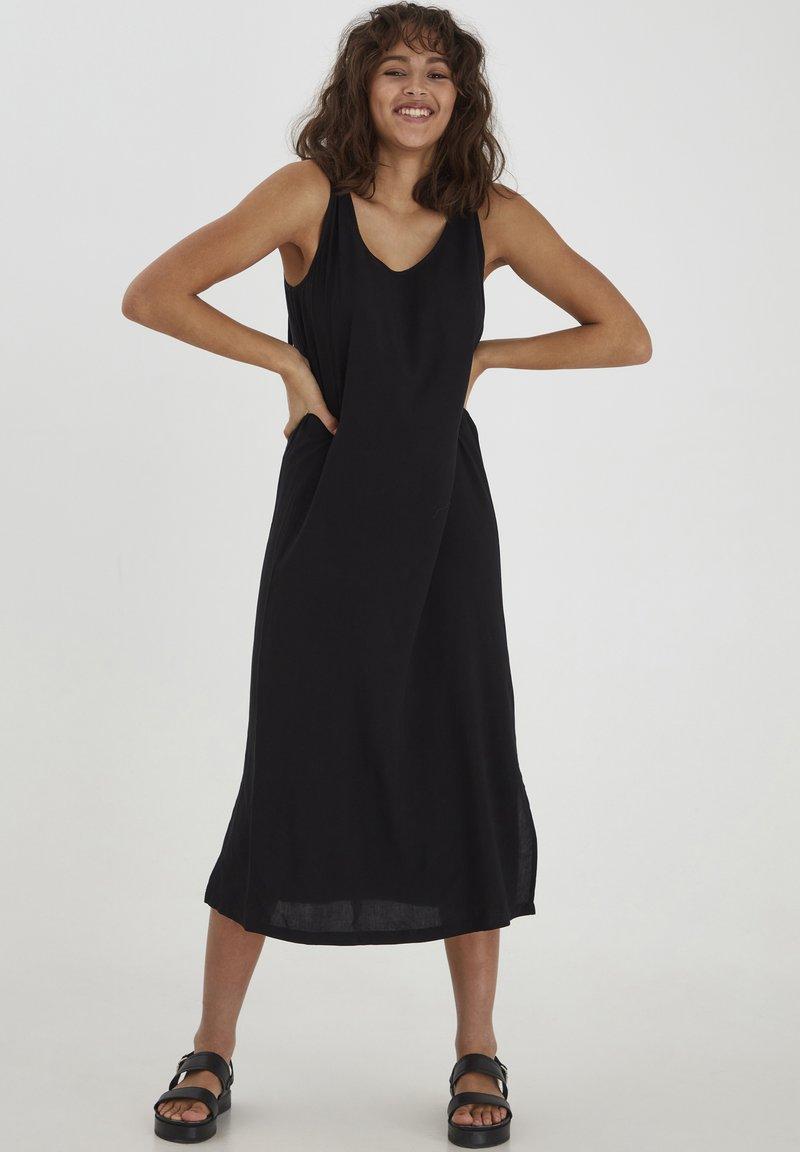 PULZ - NELLY  - Sukienka letnia - black beauty