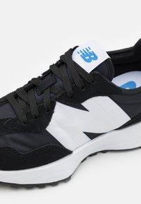 New Balance - MS327 - Trainers - black - 5