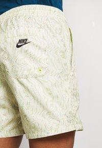 Nike Sportswear - FESTIVAL  - Shorts - limelight/volt/black - 5