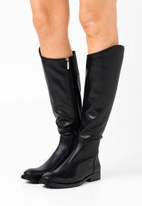 Laura Biagiotti - Vysoká obuv - black - 0