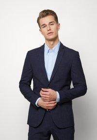 Ben Sherman Tailoring - MIDNIGHT FLECK SUIT - Kostym - navy - 0