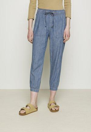 V-RIB UTILITY JOGGER - Trousers - indigo