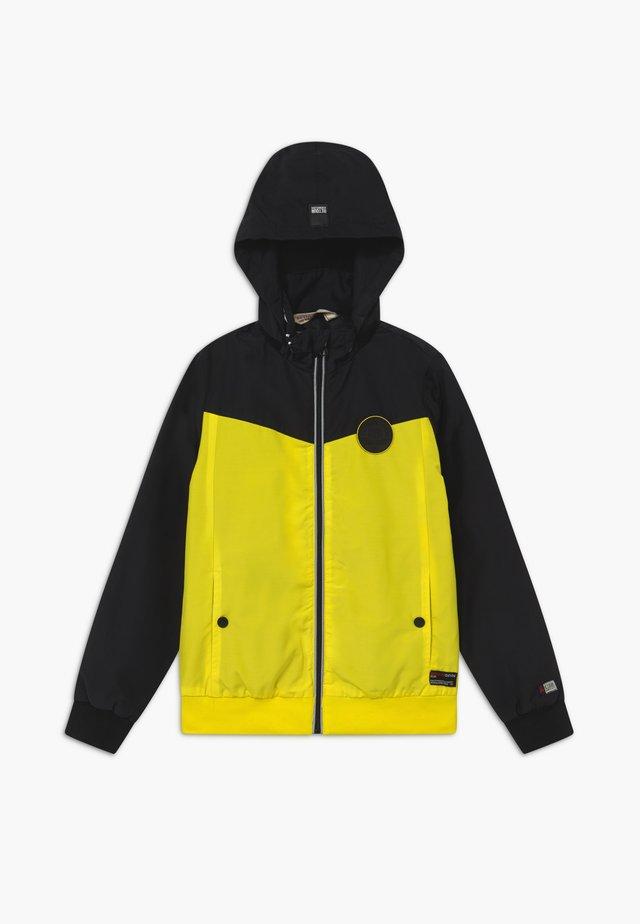BRYCE - Lett jakke - bright yellow