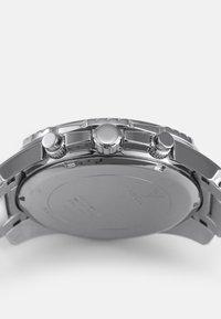 Guess - INTREPID - Rannekello ajanottotoiminnolla - silver-coloured - 3
