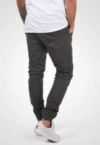 Solid - THEREON - Chinos - forged iron - 2